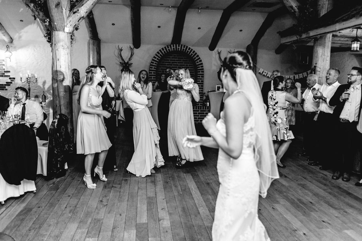 Brautstraußwurf-Erbhof-Backenkoehler-Ganderkesee